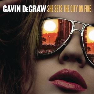 موزیک ویدیو Gavin DeGraw - She Sets The City On Fire