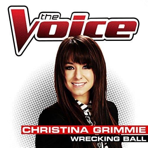 اجرای آهنگ Wrecking Ball