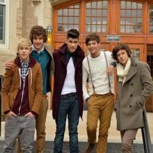 دانلود موزیک ویدیو One Direction - Gotta Be You با زیرنویس فارسی