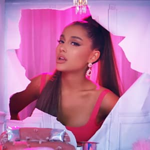 موزیک ویدیو Ariana Grande - 7 rings با زیرنویس فارسی