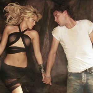دانلود موزیک ویدیو Gypsy از Shakira با زیرنویس فارسی