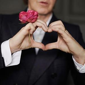 موزیک ویدیو Paul McCartney - My Valentine با زیرنویس فارسی