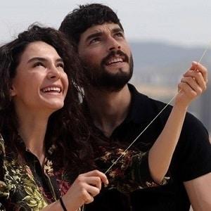 موزیک ویدیو Selami Sahin & Burcu Gunes - Ben Bir Tek Kadin (Adam) Sevdim با زیرنویس