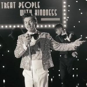 موزیک ویدیو Harry Styles - Treat People With Kindness با زیرنویس