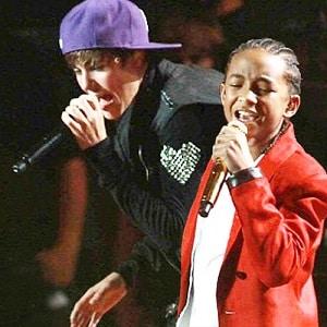 اجرای زنده Justin Bieber - Never Say Never ft. Jaden Smith با زیرنویس